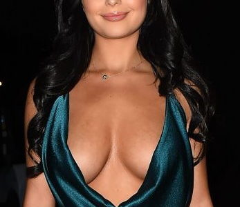 Demi Rose Mawbry's Birthday Cleavage