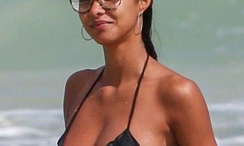 Lais Ribeiro Wet Bikini of the Day