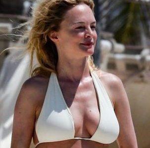 Heather Graham Bikini of the Day