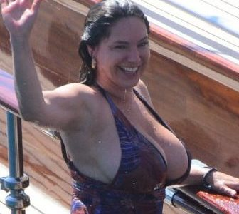 Kelly Brook Obesity T*ts of the Day