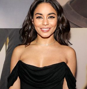 Vanessa Hudgens Drops Some Sexy Braless Cleavage And Booty Action!